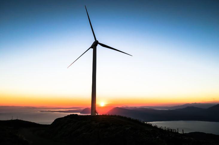ESPAÑA VUELVE A INICIARSE EN EL PROCESO DE LAS ENERGIAS RENOVABLES