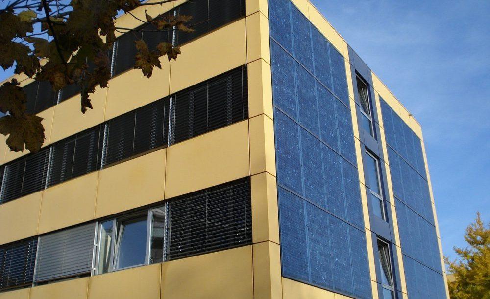 Fachada Paneles Solares Subvencion Catalunya+